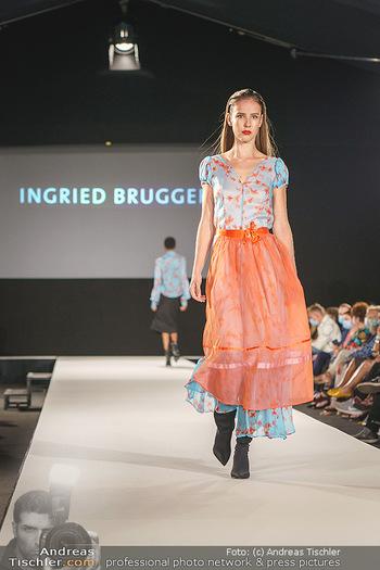 Ingried Brugger Show - Vienna Fashion Week Zelt - Di 08.09.2020 - Model am Laufsteg37