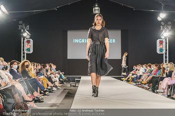 Ingried Brugger Show - Vienna Fashion Week Zelt - Di 08.09.2020 - Model am Laufsteg39
