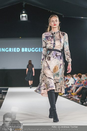 Ingried Brugger Show - Vienna Fashion Week Zelt - Di 08.09.2020 - Model am Laufsteg40