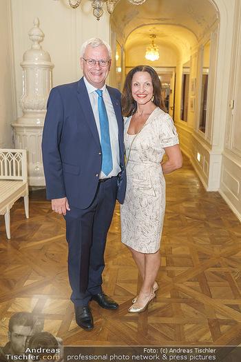 Herbstgold Festival Eröffnung - Schloss Esterhazy, Eisenstadt - Mi 09.09.2020 - Thomas STEINER mit Ehefrau47
