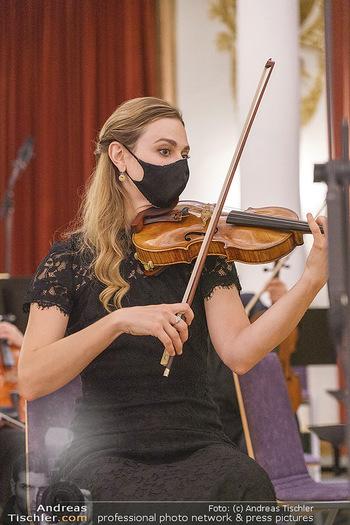 Herbstgold Festival Eröffnung - Schloss Esterhazy, Eisenstadt - Mi 09.09.2020 - Geigerin mit MNS-Maske Corona Schutzmaske64