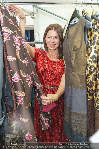 Sabine Karner Show - Vienna Fashion Week Zelt - Do 10.09.2020 - Sabine KARNER1