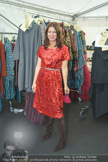 Sabine Karner Show - Vienna Fashion Week Zelt - Do 10.09.2020 - Sabine KARNER2