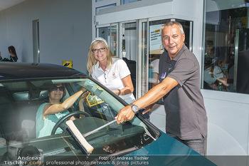 Kinderhilfe Carwash-Day Charity - McDonalds McDrive 1110 und 1230 Wien - Fr 11.09.2020 - Peter PACULT, Karin SCHMIDT1