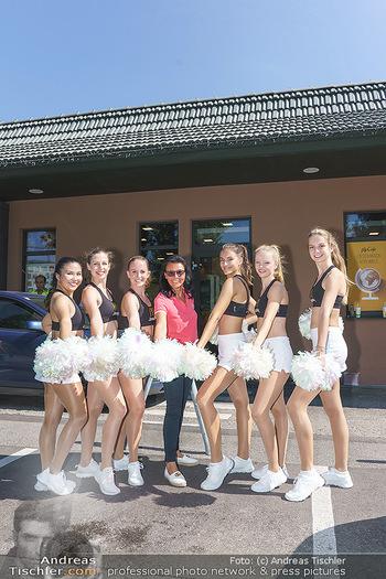 Kinderhilfe Carwash-Day Charity - McDonalds McDrive 1110 und 1230 Wien - Fr 11.09.2020 - Martina JANSKY mit Millenium Dancers21