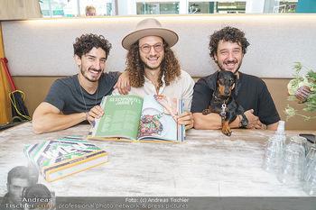 Kochbuchpräsentation - Neni´s am Naschmarkt - Mi 16.09.2020 - Brüder Nuriel, Nadin und Eleior MOLCHO mit Hund Lotti7
