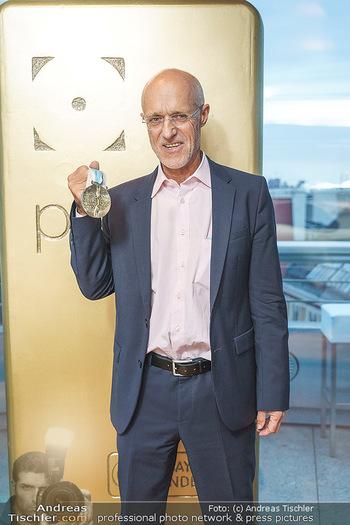 Philoro Golden Winner Dinner - Do&Co Wintergarten - Do 17.09.2020 - Anton Toni INNAUER mit seiner Olympia Goldmedaille7