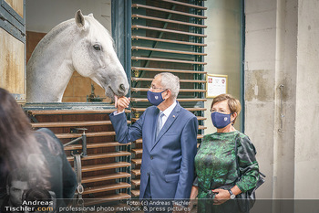Austrian World Summit 2020 - Stallburg und Hofreitschule - Do 17.09.2020 - Doris SCHMIDAUER, Alexander VAN DER BELLEN mit Lipizzaner Pferd2