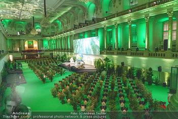 Austrian World Summit 2020 - Stallburg und Hofreitschule - Do 17.09.2020 - Leerer Saal mit Coronaschutz-Sitzordnung, Pflanzen als Abstandsh5