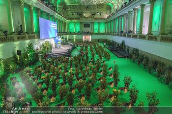 Austrian World Summit 2020 - Stallburg und Hofreitschule - Do 17.09.2020 - Leerer Saal mit Coronaschutz-Sitzordnung, Pflanzen als Abstandsh8