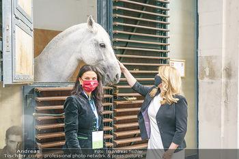 Austrian World Summit 2020 - Stallburg und Hofreitschule - Do 17.09.2020 - Zuzana CAPUTOVA, Sonja KLIMA mit Lipizzaner Pferd67
