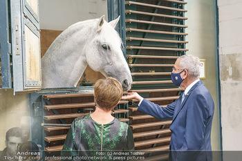 Austrian World Summit 2020 - Stallburg und Hofreitschule - Do 17.09.2020 - Doris SCHMIDAUER, Alexander VAN DER BELLEN mit Lipizzaner Pferd68