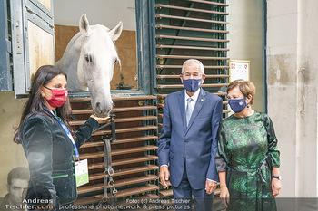 Austrian World Summit 2020 - Stallburg und Hofreitschule - Do 17.09.2020 - Sonja KLIMA, Doris SCHMIDAUER, Alexander VAN DER BELLEN mit Lipi71