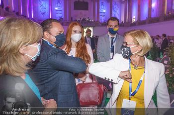 Austrian World Summit 2020 - Stallburg und Hofreitschule - Do 17.09.2020 - Klemens und Barbara HALLMANN (MEIER), Johanna MIKL-LEITNER mit M83