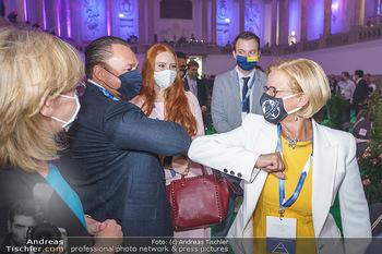 Austrian World Summit 2020 - Stallburg und Hofreitschule - Do 17.09.2020 - Klemens und Barbara HALLMANN (MEIER), Johanna MIKL-LEITNER mit M84