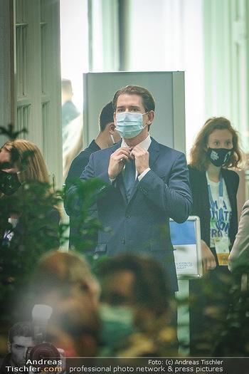 Austrian World Summit 2020 - Stallburg und Hofreitschule - Do 17.09.2020 - Sebastian KURZ mit Corona Schutzmaske MNS Maske105