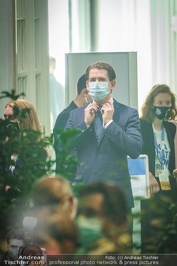 Austrian World Summit 2020 - Stallburg und Hofreitschule - Do 17.09.2020 - Sebastian KURZ mit Corona Schutzmaske MNS Maske106