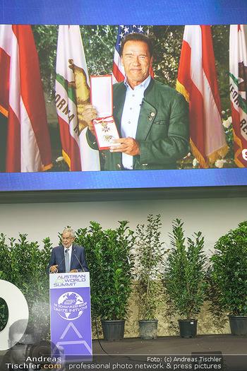 Austrian World Summit 2020 - Stallburg und Hofreitschule - Do 17.09.2020 - Arnold SCHWARZENEGGER erhält großes goldenes Ehrenzeichen von 167