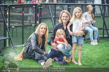 Climate Kirtag - Heldenplatz - Do 17.09.2020 - Familie Lilian KLEBOW, Erich ALTENKOPF mit Kindern Charlie und S1