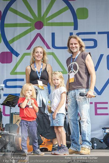 Climate Kirtag - Heldenplatz - Do 17.09.2020 - Familie Lilian KLEBOW, Erich ALTENKOPF mit Kindern Charlie und S7