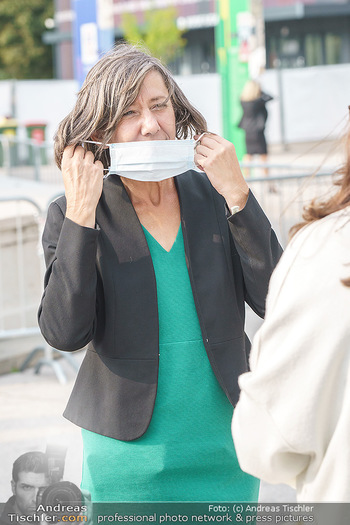 Climate Kirtag - Heldenplatz - Do 17.09.2020 - Birgit HEBEIN mit Corona Schutzmaske65