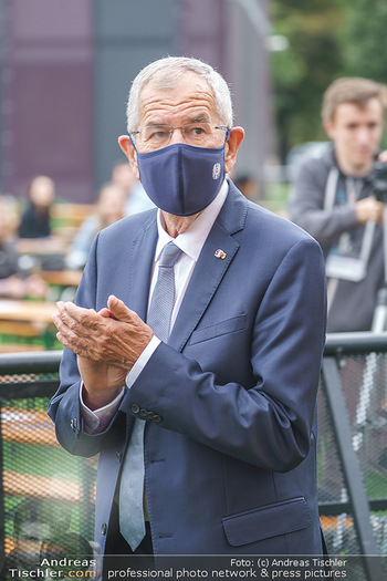 Climate Kirtag - Heldenplatz - Do 17.09.2020 - Alexander VAN DER BELLEN mit Corona Maske96