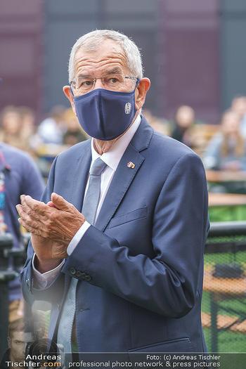 Climate Kirtag - Heldenplatz - Do 17.09.2020 - Alexander VAN DER BELLEN mit Corona Maske97