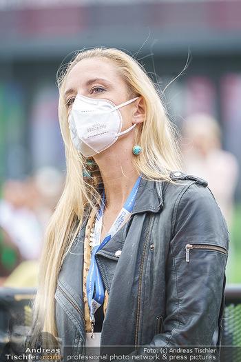 Climate Kirtag - Heldenplatz - Do 17.09.2020 - Lilian KLEBOW mit Corona Schutzmaske125