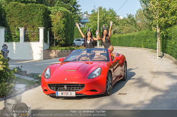 Lugner Reunion Feier - Lugner Privatvilla - Di 22.09.2020 - Tierchen Nina Bambi BRUCKNER und Bahati Colibri Venus fahren mit29