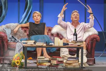 Bühnenfotos Das Abschiedsdinner - Stadttheater Berndorf - Fr 25.09.2020 - Christoph VON FRIEDL, Kristina SPRENGER15