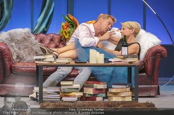 Bühnenfotos Das Abschiedsdinner - Stadttheater Berndorf - Fr 25.09.2020 - Christoph VON FRIEDL, Kristina SPRENGER24