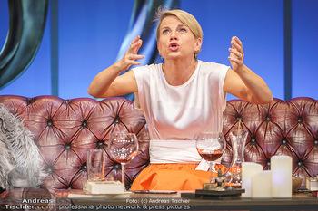 Bühnenfotos Das Abschiedsdinner - Stadttheater Berndorf - Fr 25.09.2020 - Kristina SPRENGER95