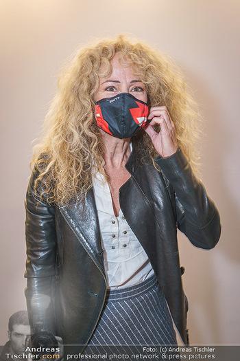 Theater Programmpräsentation - Das Vindobona - Mo 28.09.2020 - Sandra PIRES (Portrait mit Corona Schutzmaske MNS Covid-19 Maske16