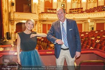 Premiere ´Das Abschiedsdinner´ - Stadttheater Berndorf - Do 01.10.2020 - Kristina SPRENGER, Bürgermeister Franz RUMPLER20