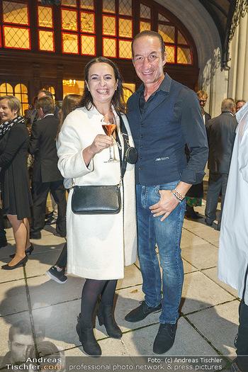 Premiere ´Das Abschiedsdinner´ - Stadttheater Berndorf - Do 01.10.2020 - Michael SEIDA mit Freundin Ulli RUPRECHT22