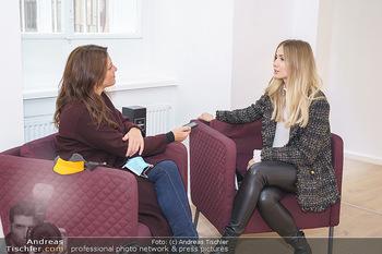 Dragana Stankovic Fototermin - Galerie Desiderio No1 - Do 01.10.2020 - Dragana STANKOVIC wird interviewt von Lisa BACHMANN22