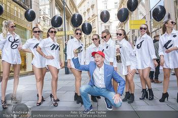 Opening - Camicissima - Sa 03.10.2020 - Heribert KASPER mit Models in der Fußgängerzone, Gruppenfoto S19