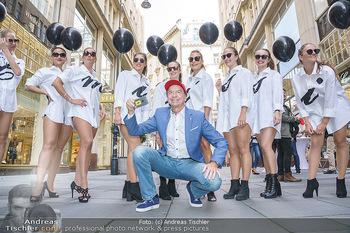 Opening - Camicissima - Sa 03.10.2020 - Heribert KASPER mit Models in der Fußgängerzone, Gruppenfoto S20