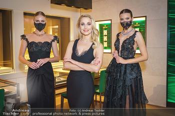Silvia Schneider- the black collection - Bucherer, Wien - Mo 05.10.2020 - Silvia SCHNEIDER mit Models mit Corona Schutzmaske20
