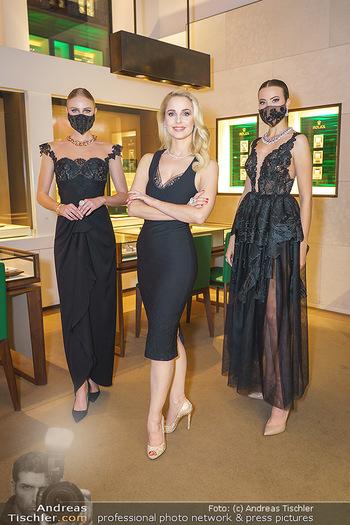 Silvia Schneider- the black collection - Bucherer, Wien - Mo 05.10.2020 - Silvia SCHNEIDER mit Models mit Corona Schutzmaske21