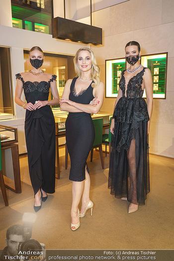 Silvia Schneider- the black collection - Bucherer, Wien - Mo 05.10.2020 - Silvia SCHNEIDER mit Models mit Corona Schutzmaske22