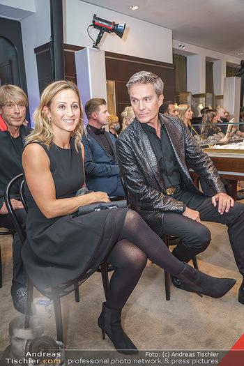 Silvia Schneider- the black collection - Bucherer, Wien - Mo 05.10.2020 - Michi Michaela KIRCHGASSER, Alfons HAIDER53