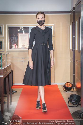 Silvia Schneider- the black collection - Bucherer, Wien - Mo 05.10.2020 - Model am Laufsteg55