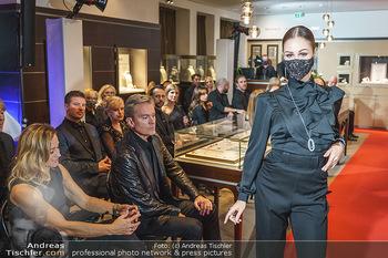 Silvia Schneider- the black collection - Bucherer, Wien - Mo 05.10.2020 - Model am Laufsteg59