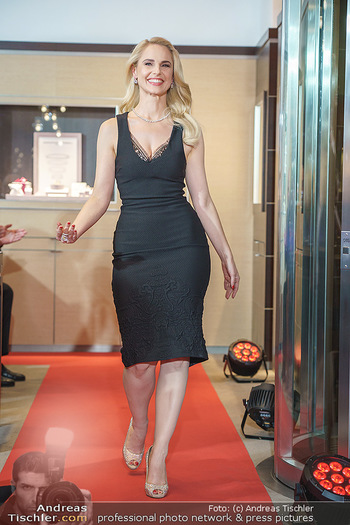 Silvia Schneider- the black collection - Bucherer, Wien - Mo 05.10.2020 - Silvia SCHNEIDER am Laufsteg70