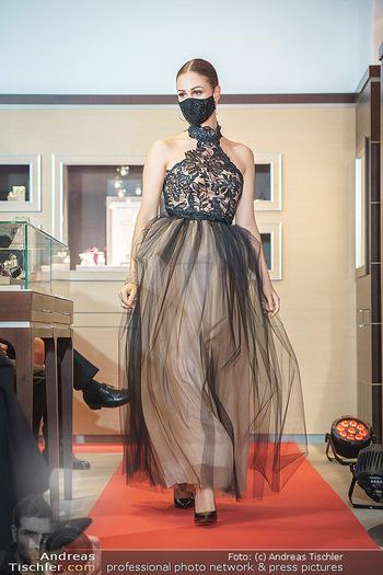Silvia Schneider- the black collection - Bucherer, Wien - Mo 05.10.2020 - Model am Laufsteg72