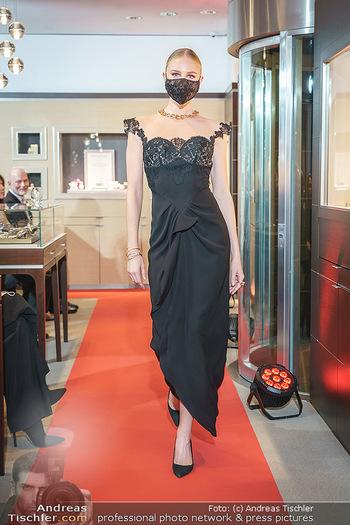 Silvia Schneider- the black collection - Bucherer, Wien - Mo 05.10.2020 - Model am Laufsteg78