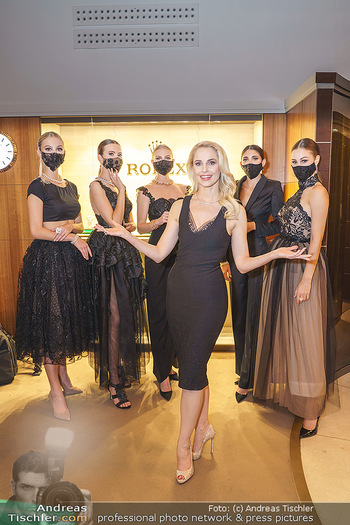 Silvia Schneider- the black collection - Bucherer, Wien - Mo 05.10.2020 - Silvia SCHNEIDER mit Models mit Corona Schutzmaske94
