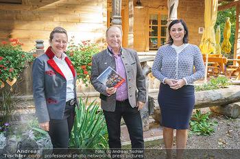Harry Prünster Buchpräsentation - Tirolerhof Schönbrunn - Do 08.10.2020 - Elisabeth KÖSTINGER, Harry PRÜNSTER, Elisabeth FRONTULL24