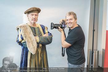 DAC Kalendershooting - BMW Wien Heiligenstadt - Mo 19.10.2020 - Manfred BAUMANN fotografiert Johnny LOGAN29
